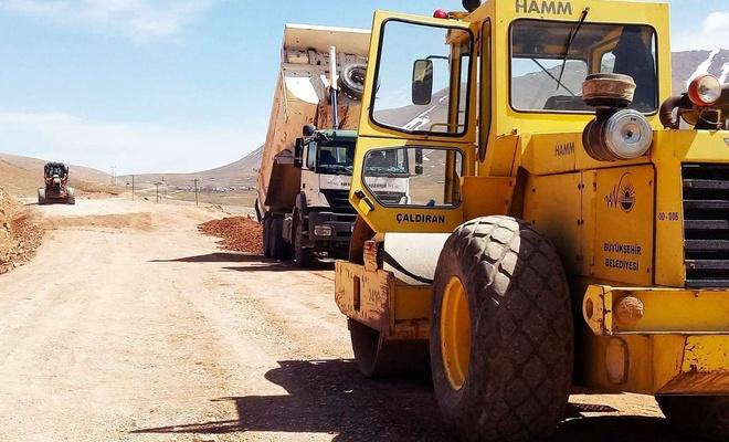 Van'ın kırsal mahallelerinde stabilize yol çalışmaları başladı