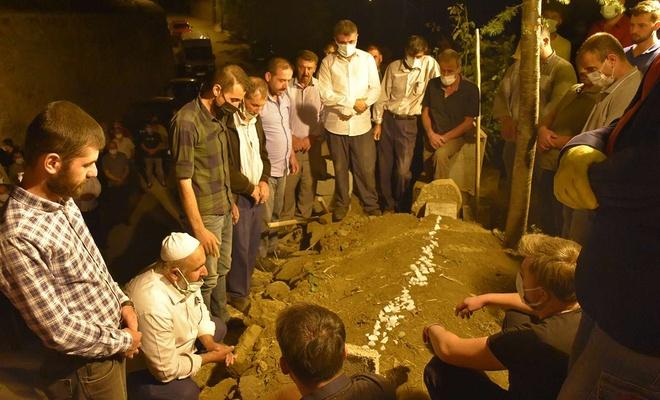 Vefat eden HÜDA PAR Bitlis İl Başkanı Celal Gül dualarla defnedildi