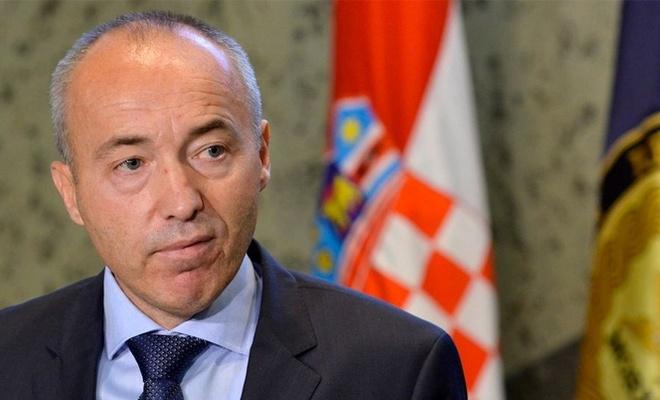 Hırvatistan Savunma Bakanı Damir Krsticevic istifa etti.