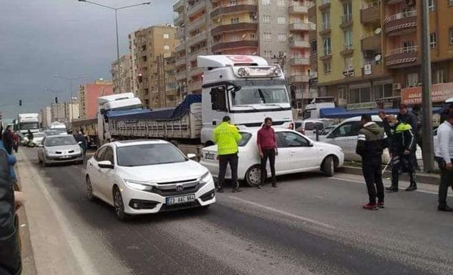 Şehrin ortasından geçen uluslararası yolda yine zincirleme trafik kazası yaşandı