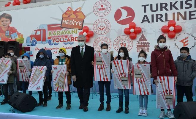 14 Şehirde Hediye Karavanı Yollarda Kampanyası'nın son durağı Diyarbakır oldu