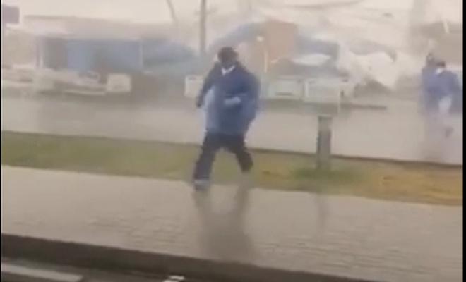 Fırtına Katar'ı birbirine kattı