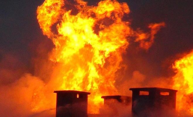 Kocaeli'deki AVM yangınında onlarca iş yeri kullanılamaz hale geldi
