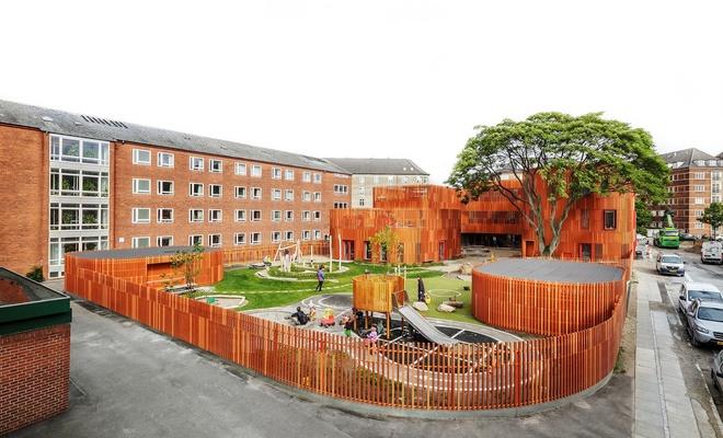 Danimarka'da kreş ve ilkokullar 15 Nisan'dan itibaren açılacak