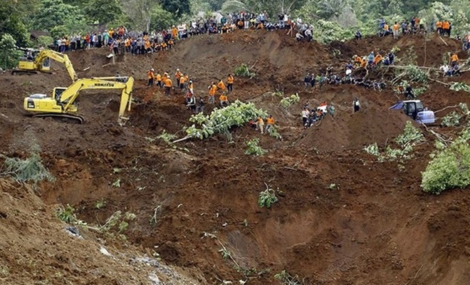 Endonezya'daki toprak kaymalarında ölü sayısı 25'e yükseldi