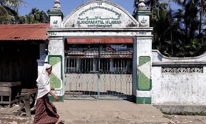 Arakan`da camilere saldırı