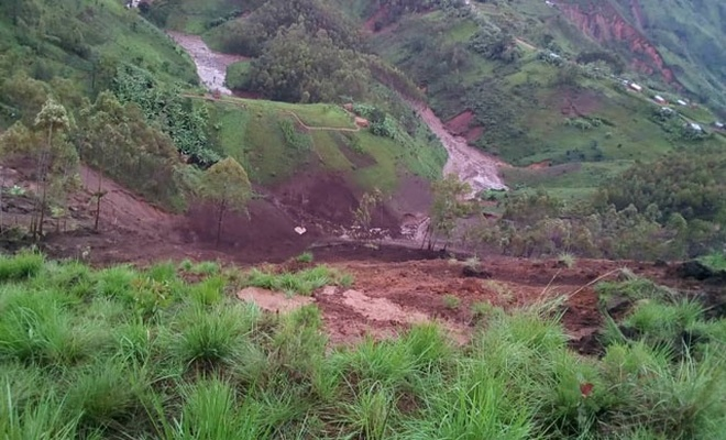 Sel sonrası toprak kaymasında 38 kişi hayatını kaybetti