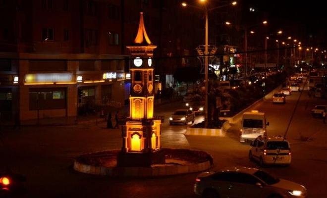 Kızıltepe`de saat kulesi yapıldı