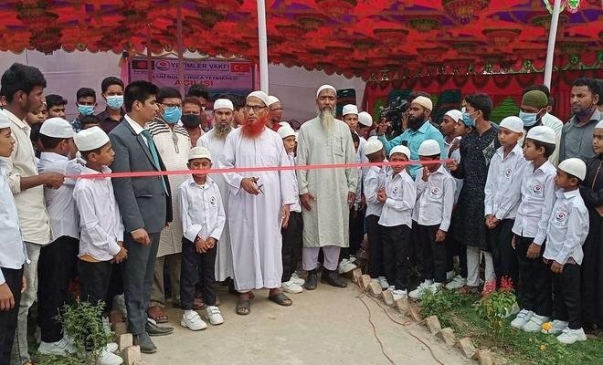 """Yetimler Vakfı Bangladeş'te """"Fesih Güler Hoca Yetimhanesi"""" açtı"""