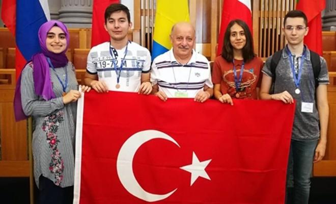 Akdeniz Matematik Olimpiyatı'nda üçüncü olduk