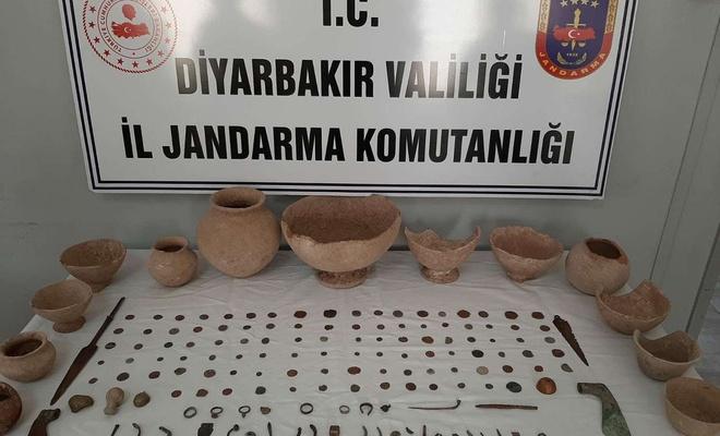 Diyarbakır'da 160 adet tarihi eser ele geçirildi