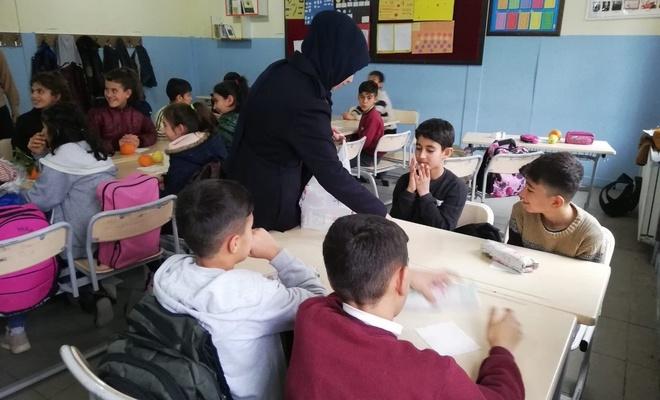 Usta öğretici ve ücretli öğretmenler ücretlerinden kesinti yapılmamasını istiyor