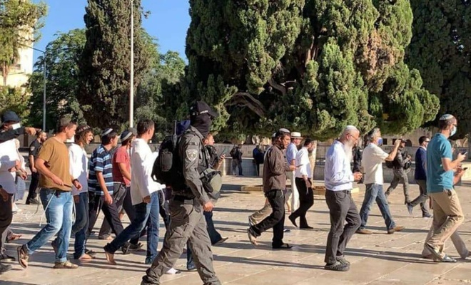 Islamic Scholars call on Muslims to prevent zionists' attacks on Al Aqsa Mosque