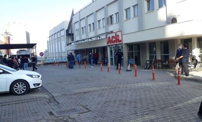 Siirt'te meydana gelen depremde zarar gören devlet hastanesi boşaltıldı