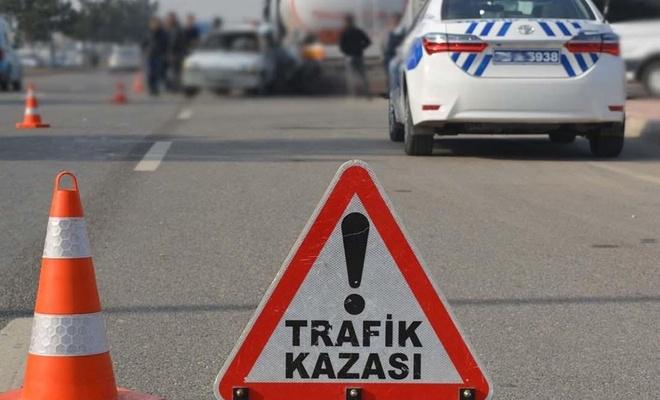 Hafif ticari araç ile TIR çarpıştı: Bir ölü 4 yaralı