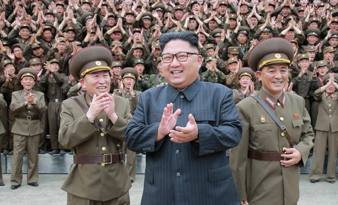 """""""Nükleer silahlarımız sayesinde yeryüzünde savaş olmayacak"""""""