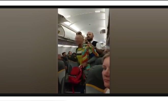 Müslümanlara hakaret eden İngilizler uçaktan indirildiler
