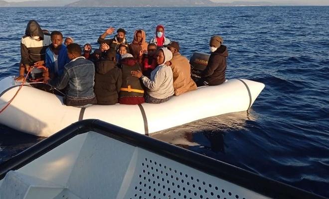 Yunanistan tarafından geri itilen 102 düzensiz göçmen kurtarıldı