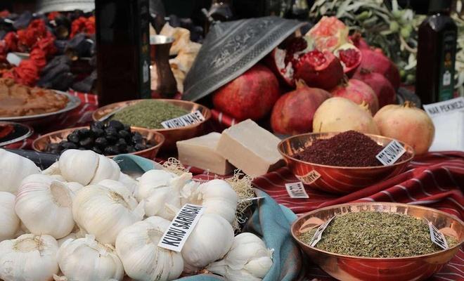 Sağlık çalışanlarına Gaziantep'in yöresel ürünleri dağıtılacak