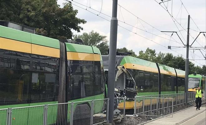 Polonya'da 2 tramvay çarpıştı: 30 yaralı