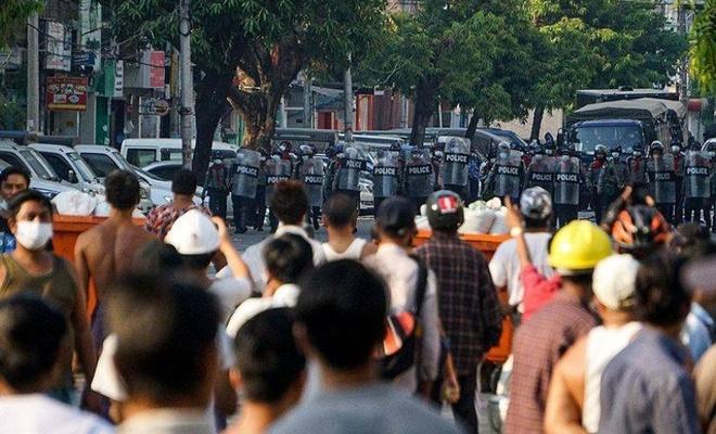 Myanmar'da askeri yönetim çanak anten kullanımını yasakladı