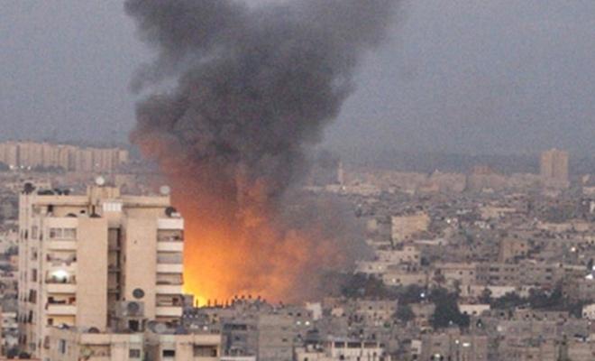 İşgalci İsrail Gazze`yi vurdu