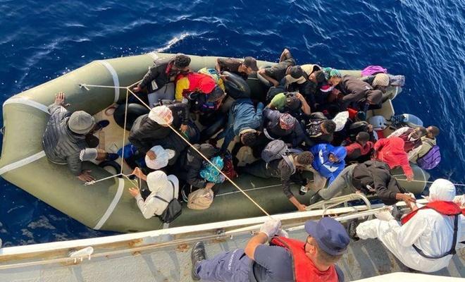 Muğla ve Aydın'da 65 düzensiz göçmen kurtarıldı