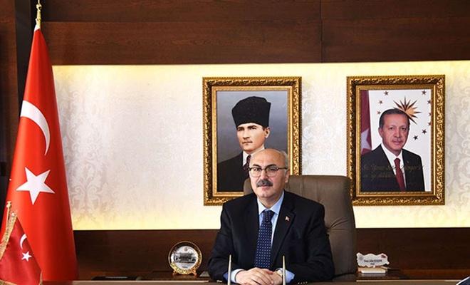 İzmir Valisinin Covid-19 testi pozitif çıktı