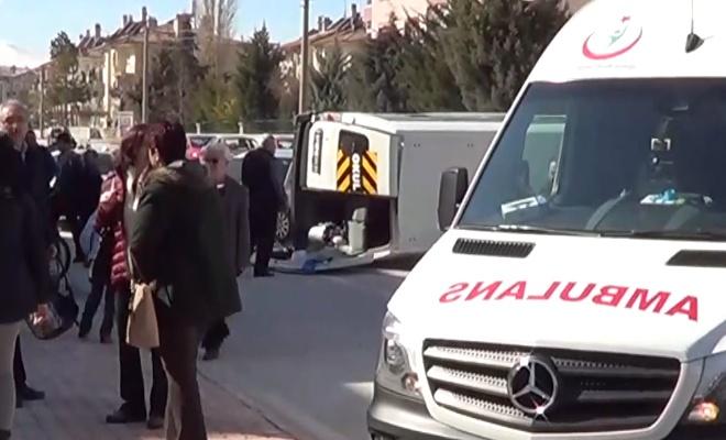 Öğrenci servisi kaza yaptı: 7 yaralı