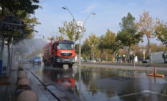 Cadde ve sokaklarda hummalı Coronavirus temizliği