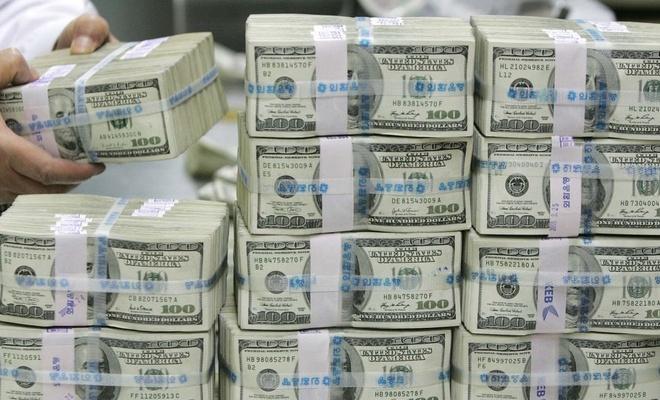 Cari denge 1.55 milyar dolar fazla verdi