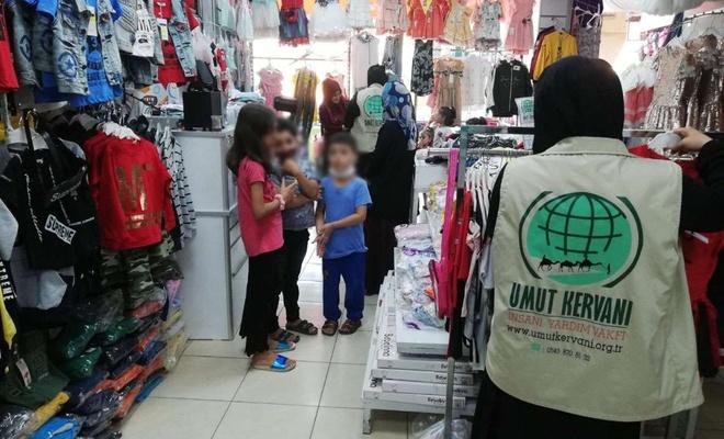 Umut Kervanı Mersin'de onlarca yetimi giydirdi