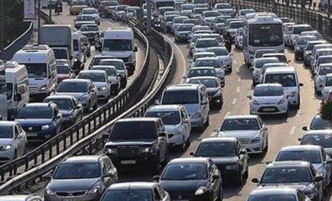 Genç sürücüler trafik kurallarını ihlal etmeye daha yatkın