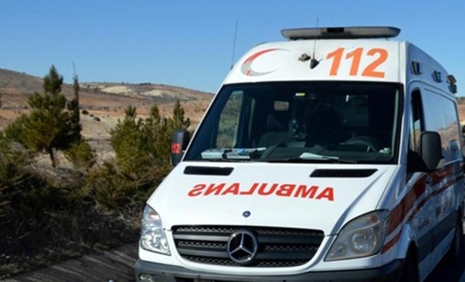 Hafif ticari araç ile kamyonet çarpıştı: Bir ölü 6 yaralı