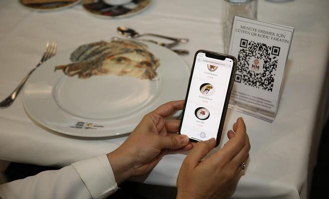 """Gaziantep'te restoranlarda """"karekod menü uygulaması"""" dönemi başlıyor"""