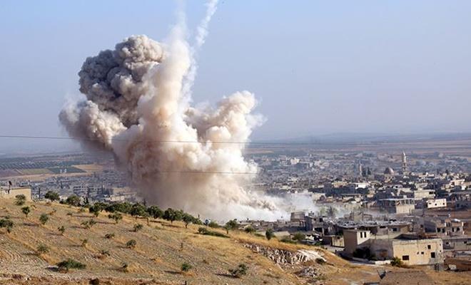 Zalimler İdlib'e bomba yağdırıyor: 3 çocuk öldü