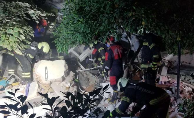 İzmir'deki depremde can kaybı 20'ye yaralı sayısı ise 786'ya yükseldi
