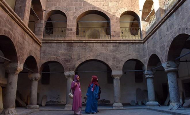 Üç asırlık medrese yeni yüzüyle ziyaretçilerini ağırlıyor