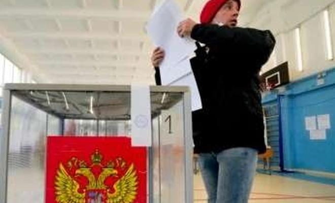 Oy verme işleminin son gününde Rus halkı sandık başına gitti