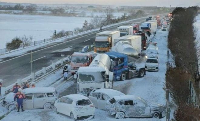 Japonya'da 130 araçın karıştığı zincileme kazada bir kişi öldü