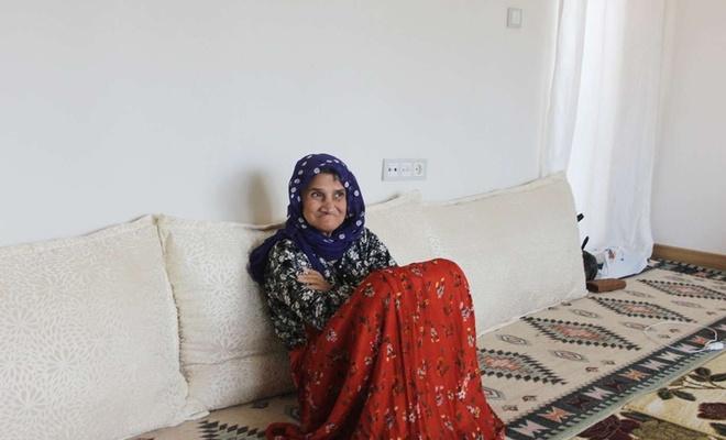 Kimliksiz ve engelli anne ile çocukları yardım bekliyor