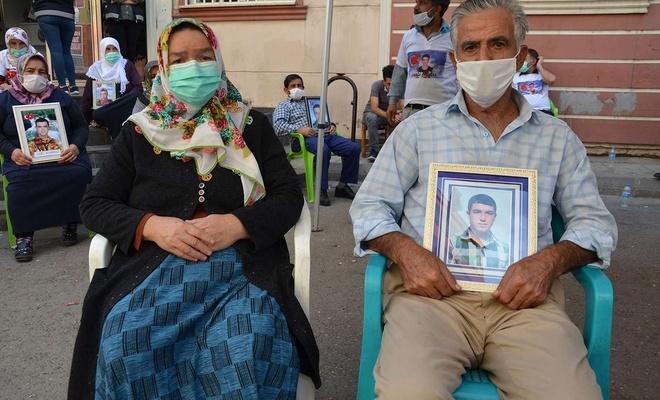 HDP il binasının önündeki evlat nöbetine bir aile daha katıldı