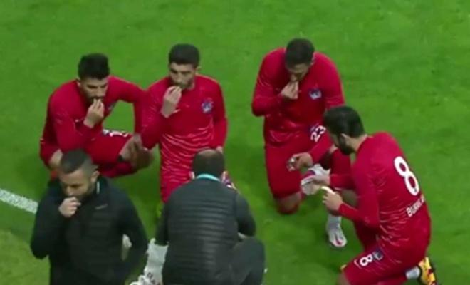 Giresunspor-Keçiörengücü maçında futbolcular iftar yaptı