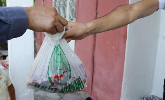 Malatya Umut Kervanı yüzlerce aileye kurban eti dağıtmaya başladı