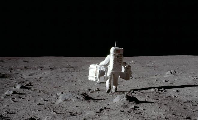 Özel şirketle anlaşan NASA, 1 dolara Ay toprağı satın alıyor