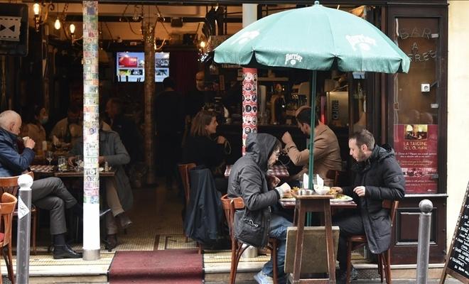 Fransa'da Kovid-19 nedeniyle alkol yasaklandı