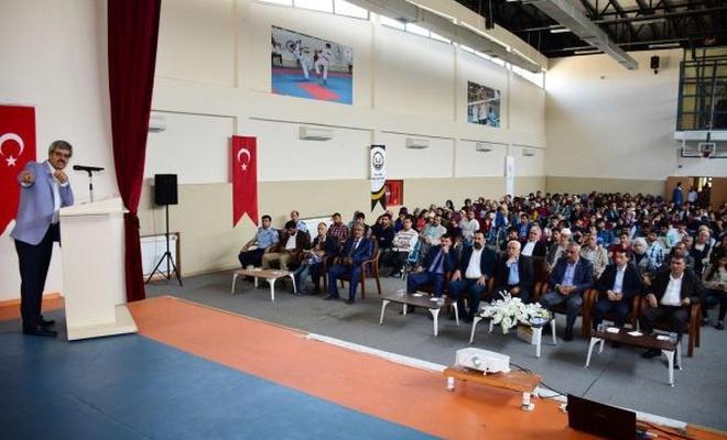"""""""Tarihin sıfır noktası Hilvan ve Nevali Çori"""" konferansı düzenlendi"""