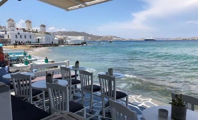 Yunanistan da kısıtlamaları gevşetiyor