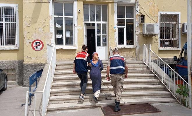 FETÖ'den araması bulunan kadın yakalandı