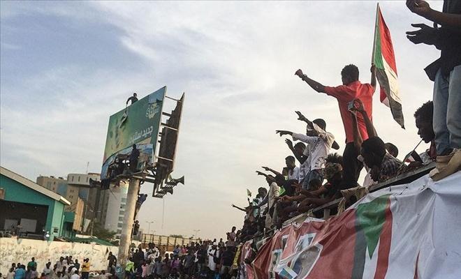 Sudan'da yeni kurulacak hükümette asker olmayacak!